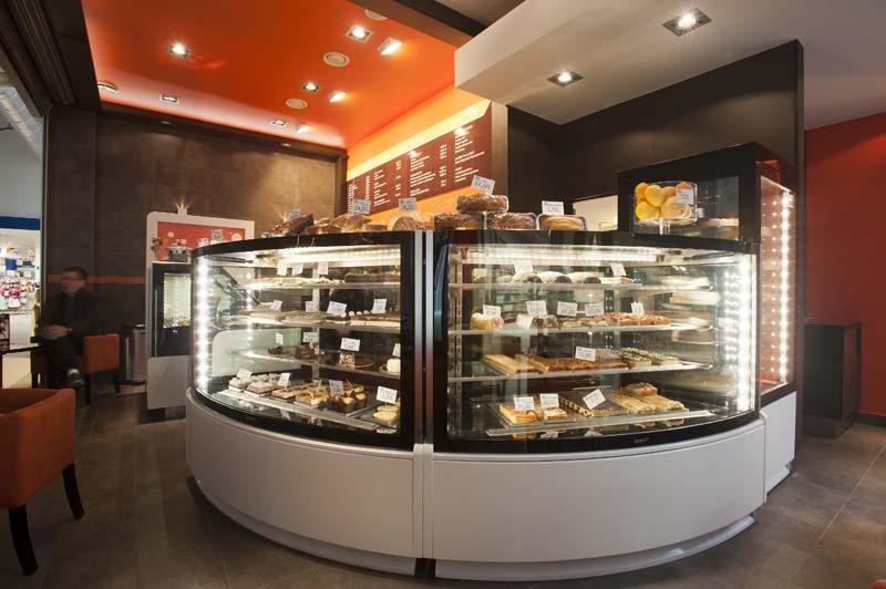 Cukrászati hűtő, süteményes pult